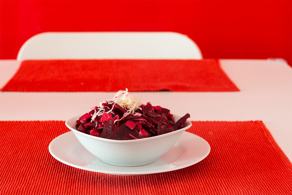 You are currently viewing Roter Rübensalat mit Apfel