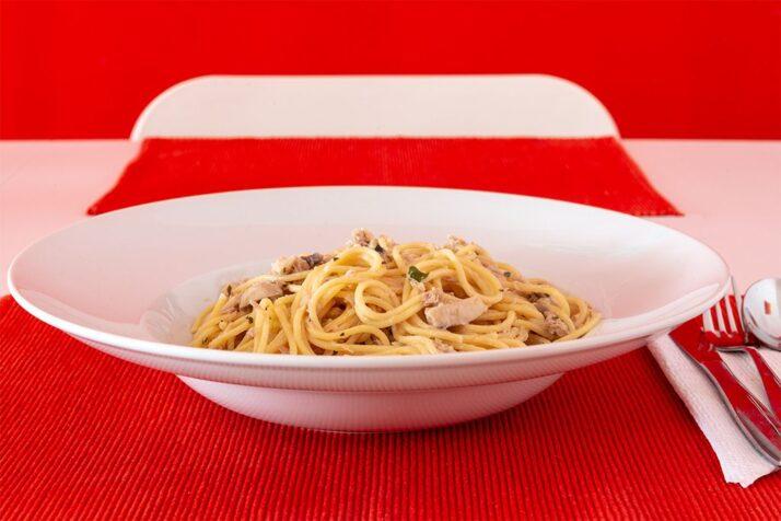 Spaghetti mit Thunfisch und Champignons