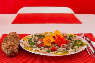 Rote und gelbe Ringelrüben Carpaccio